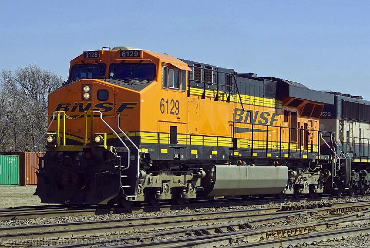 BNSF/6000 - 6999/BNSF 6129 - ES44AC